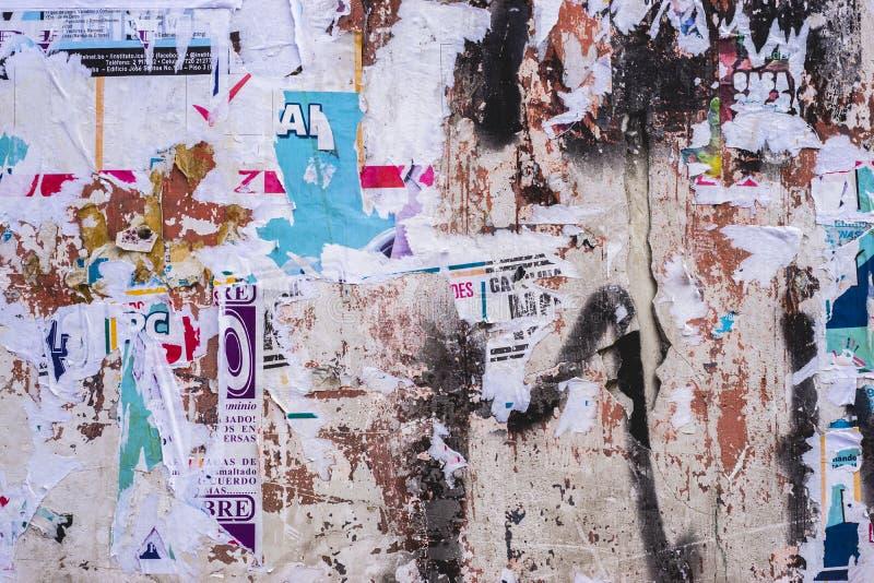 Vieille texture posée de mur d'affiches photographie stock libre de droits
