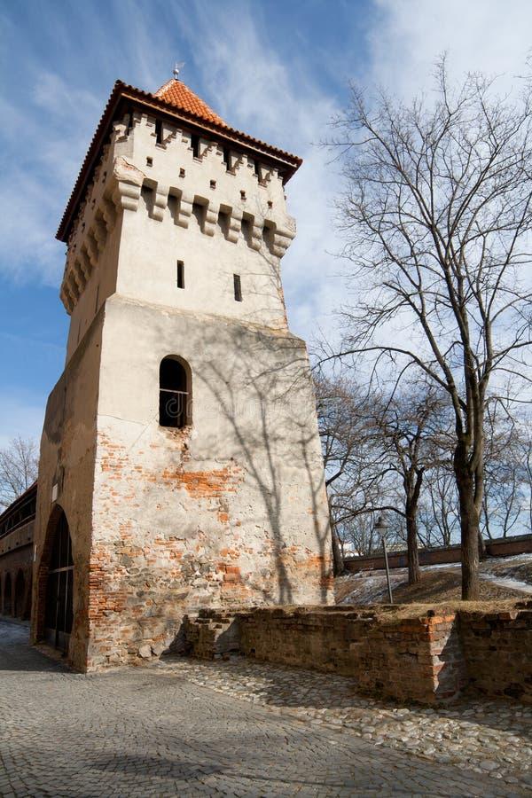 Vieille tour défensive à Sibiu, Roumanie photographie stock libre de droits