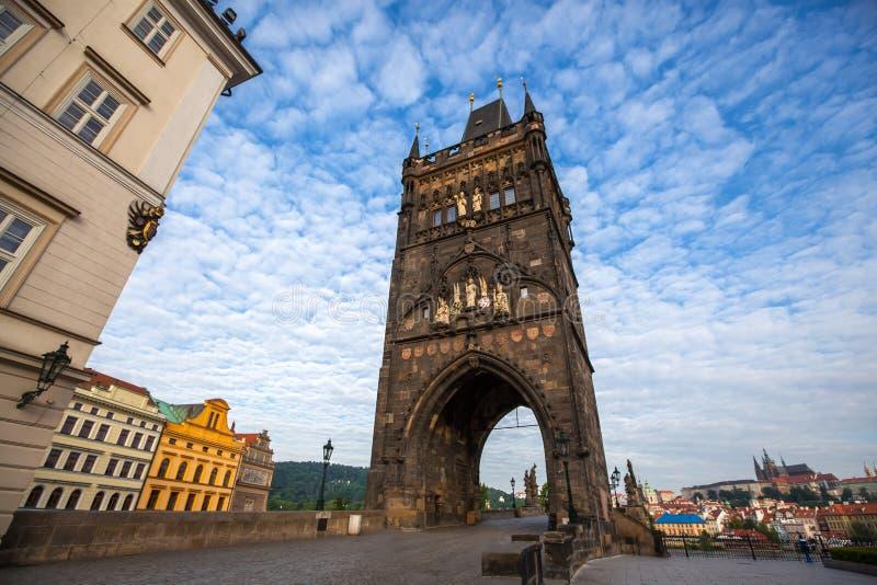 Vieille tour de ville de Charles Bridge Prague images libres de droits