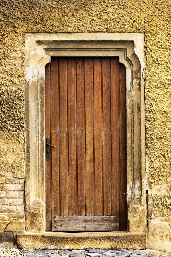 Vieille trappe d'église photographie stock