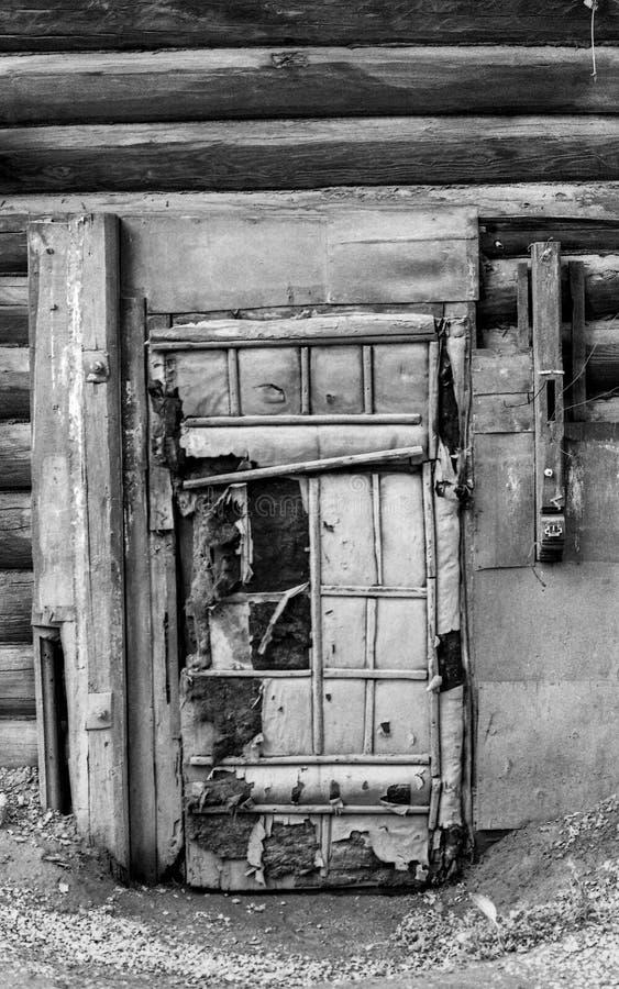 Download Vieille trappe en bois photo stock. Image du image, architecture - 45362026