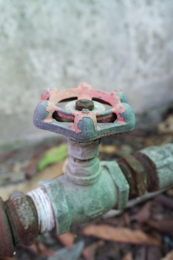 Vieille valve délabrée images stock