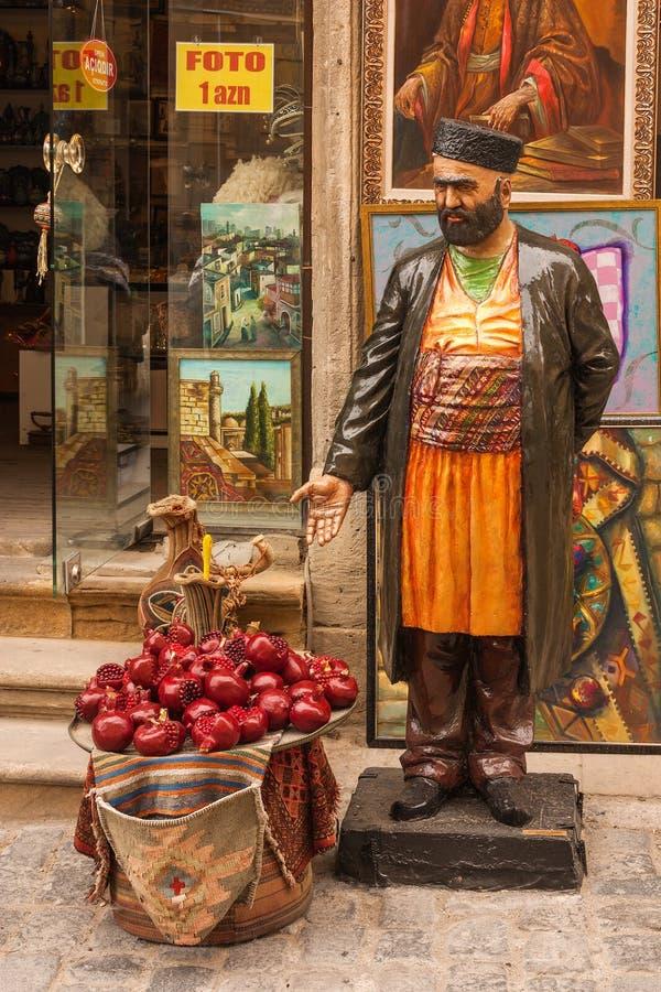 """Vieille ville """"Icheri Sheher """", Bakou, Azerbaïdjan - 14 avril 2017 Boutique de souvenirs au centre de la vieille ville d'Icheri S image stock"""