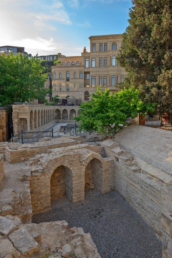Vieille ville au centre de la ville de Bakou, Azerbaïdjan image libre de droits
