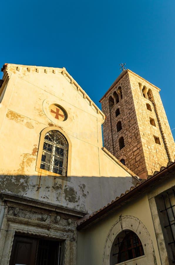 Vieille ville d'église de Rab photo libre de droits
