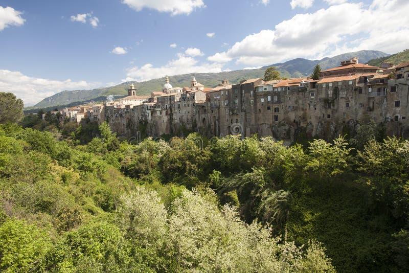 Vieille ville de ` Agata DE Goti de Sant, en Italie photographie stock libre de droits