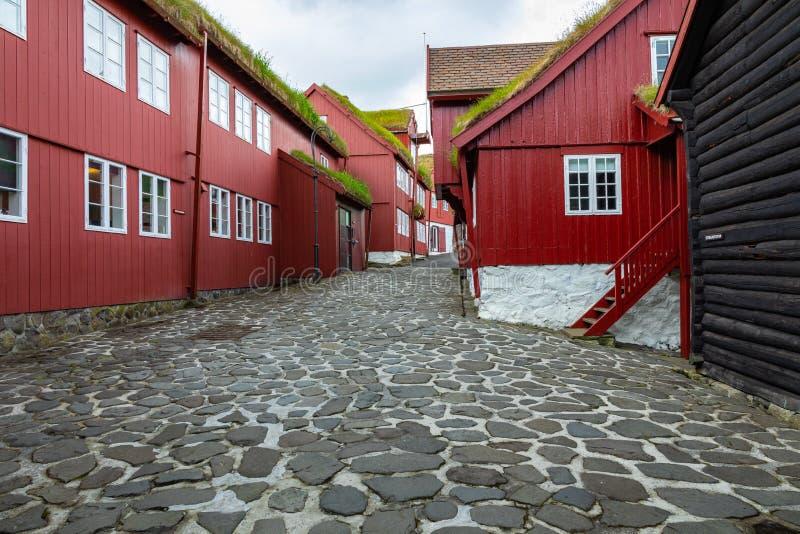 Vieille ville de capitale de Torshavn Maisons typiques avec le toit d'herbe de toit de tourbe Îles des Iles Féroé denmark l'europ photo libre de droits