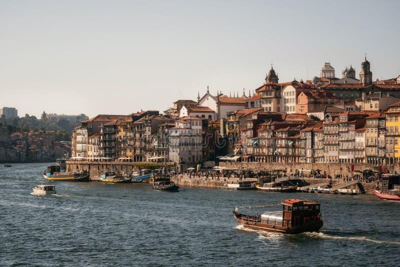 Vieille ville de Porto sur la rivi?re de Douro, Portugal photos libres de droits