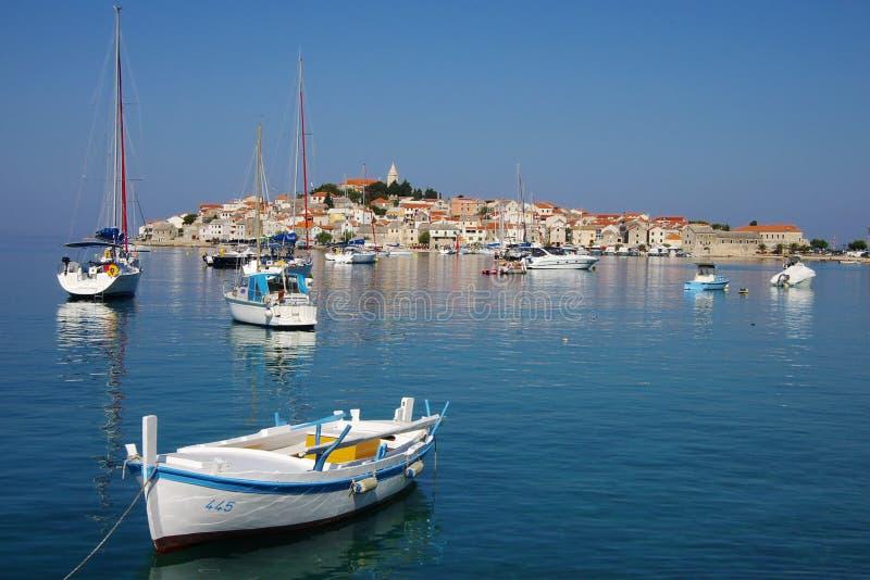 Vieille ville de Primosten, Croatie images stock