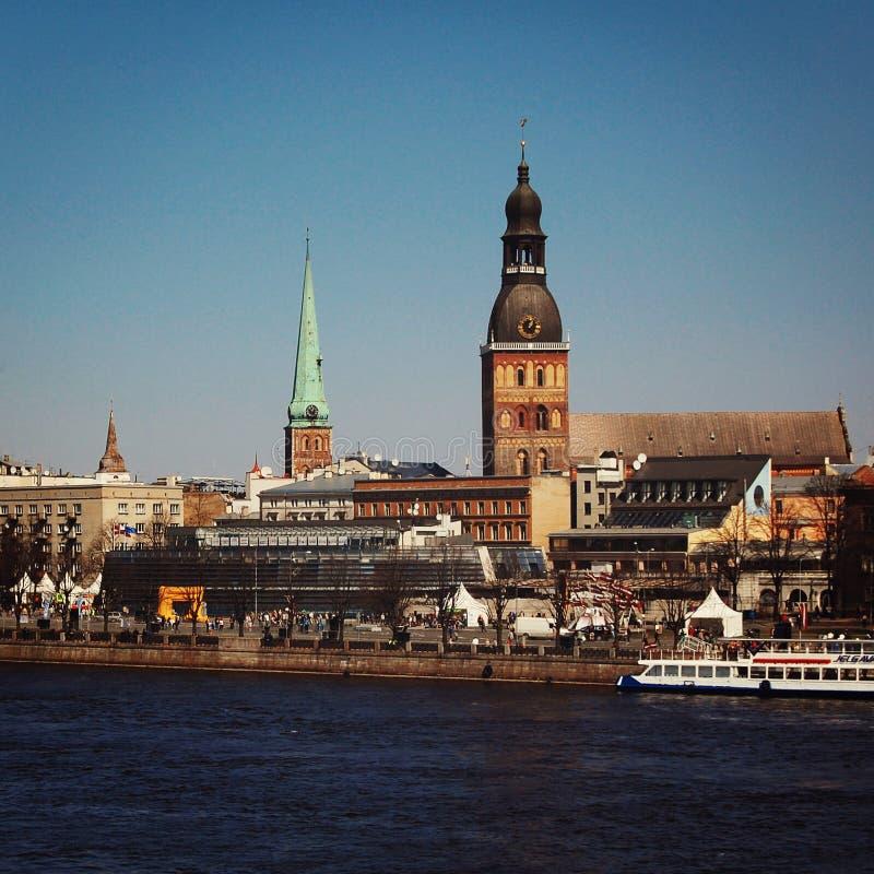 Vieille ville de Riga, Lettonie - rétro photo image stock