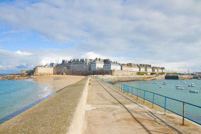 Vieille ville de saint Malo, Brittany, France photos stock