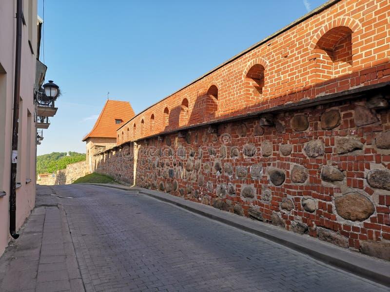 Vieille ville de Vilnius Rue de tour et x28 ; St& x29 de Bokšto ; image libre de droits