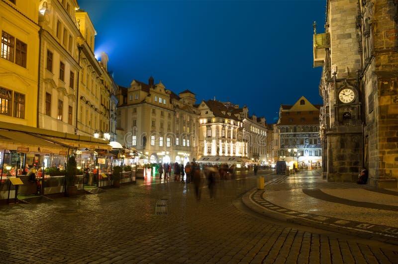 Vieille ville hôtel de ville à Prague (vue de nuit), vue de vieille place, République Tchèque photos stock