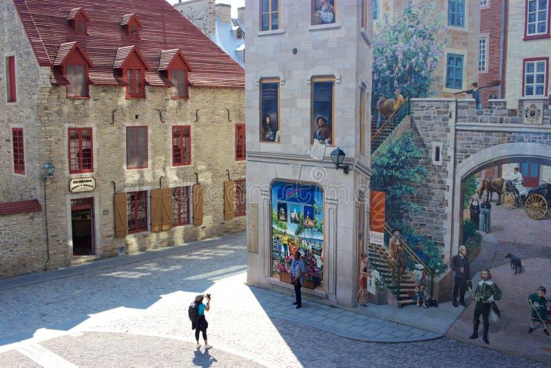 Vieille ville Québec : Placez Royale, DES Québecois de Fresque de La images stock
