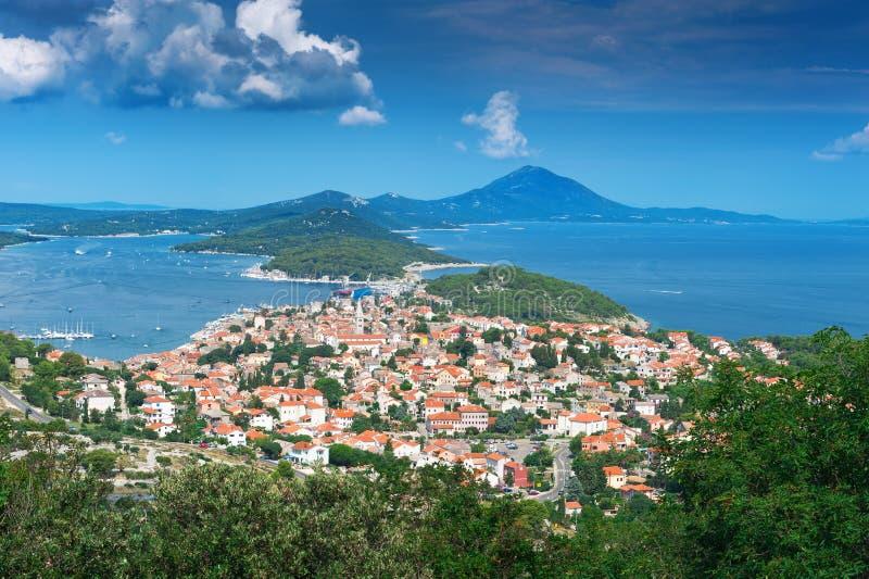 Vieille ville sur l'île adriatique. Le Mali Losinj, Croatie photos libres de droits