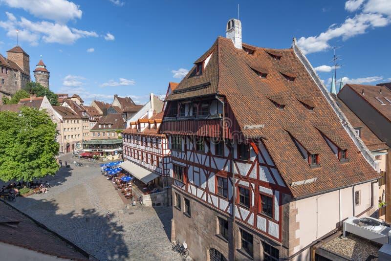 Vieille ville, vue d'un mur de la défense à Albrecht Durer House, Franconia moyen, Bavière, Allemagne photos libres de droits