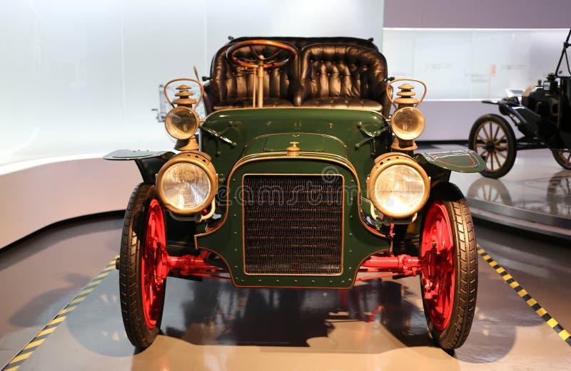 Vieille voiture de Cadillac images libres de droits