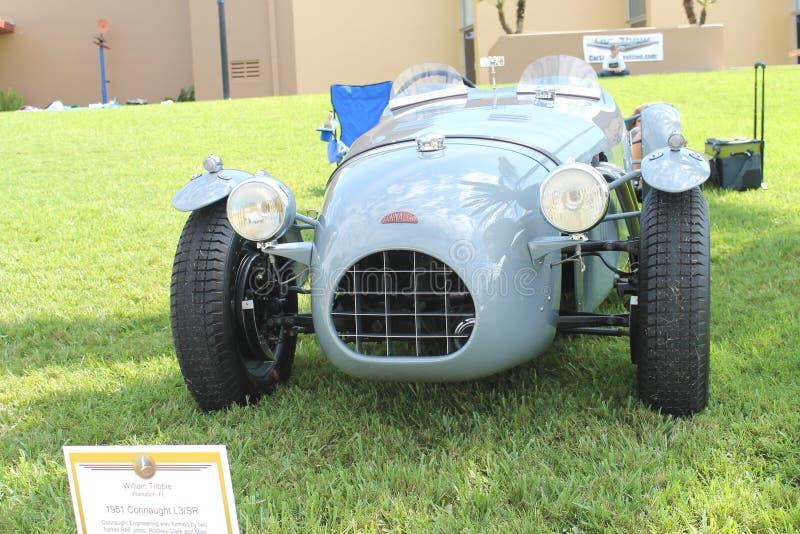 Vieille voiture de sport de connaught au salon automobile for Salon vieilles voitures