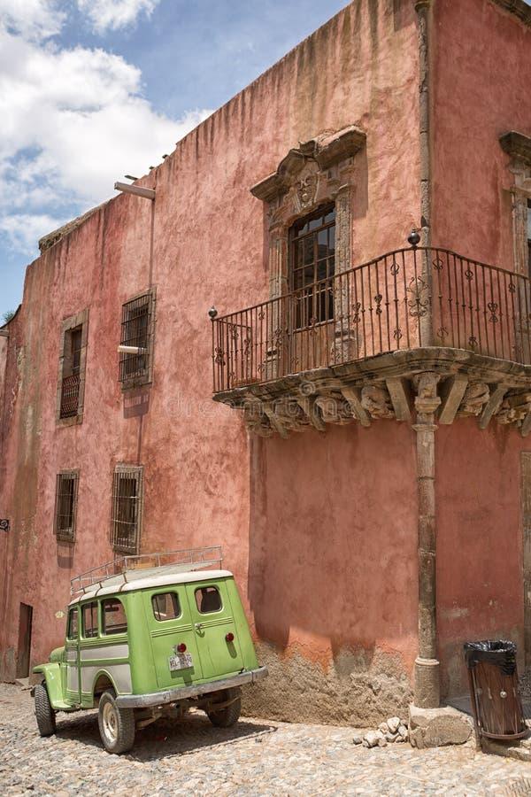 Vieille vue argentée de rue de ville de Real de Catorce Mexique images libres de droits