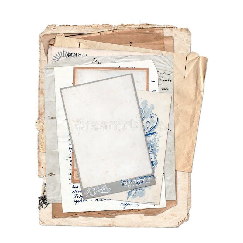 Vieilles archives sur le fond d'isolement par blanc illustration stock
