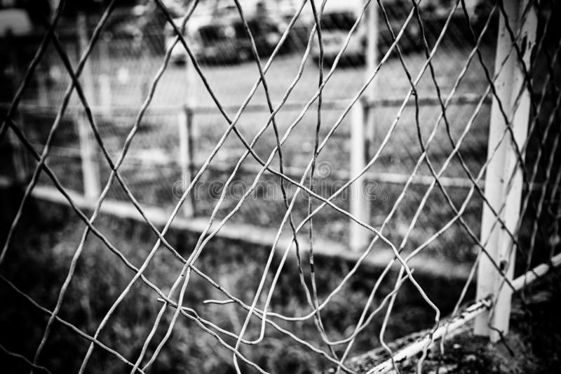 Vieilles barres en dehors d'une prison image libre de droits