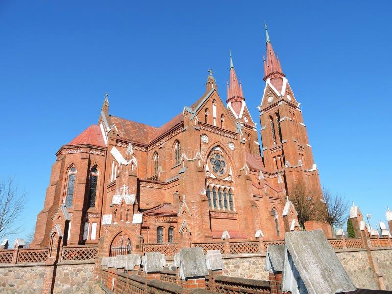 Vieilles briques rouges église, Lithuanie images libres de droits