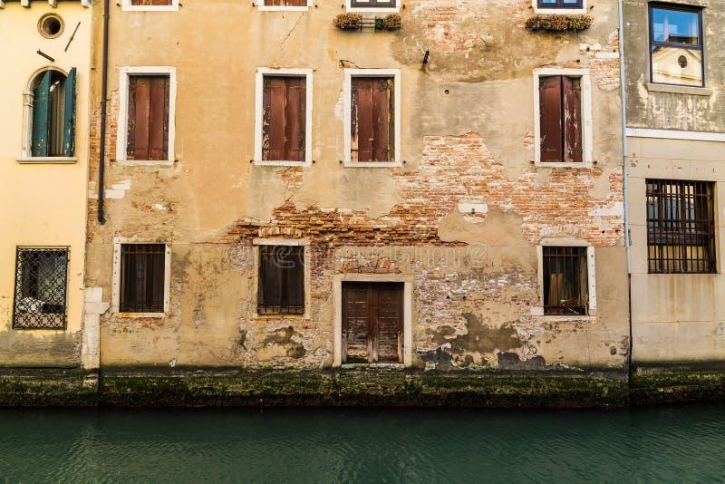 Vieilles constructions à Venise photo libre de droits