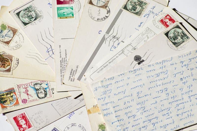 Vieilles lettres, cartes postales françaises vintage nostalgique image stock