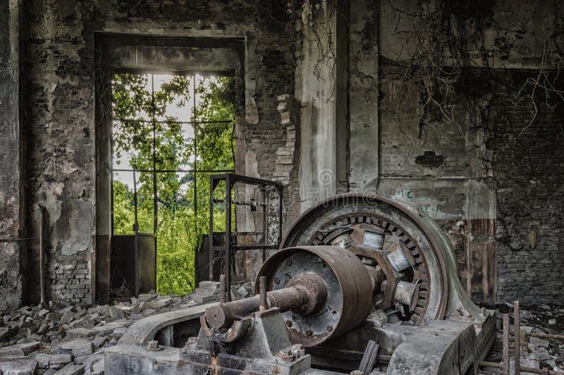 Vieilles machines dans l'usine photographie stock