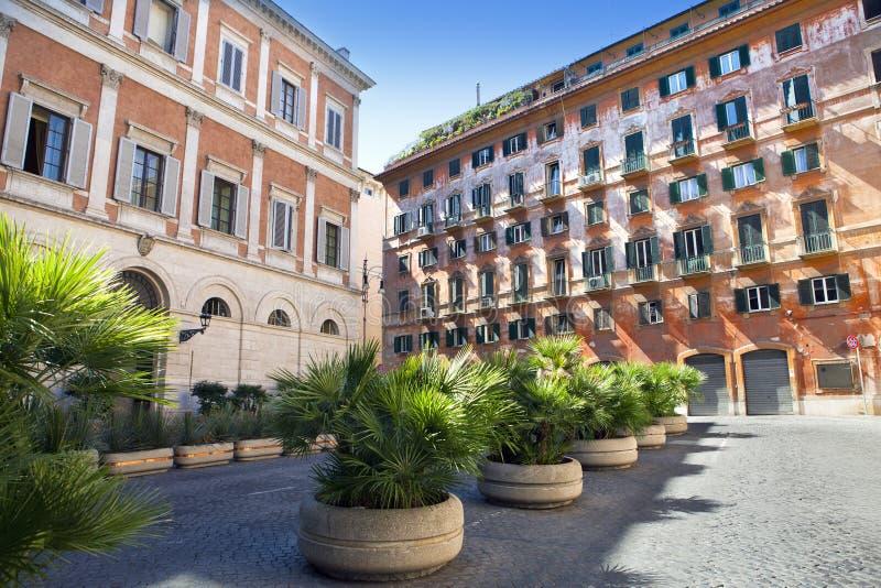 Vieilles maisons au centre de Rome image libre de droits