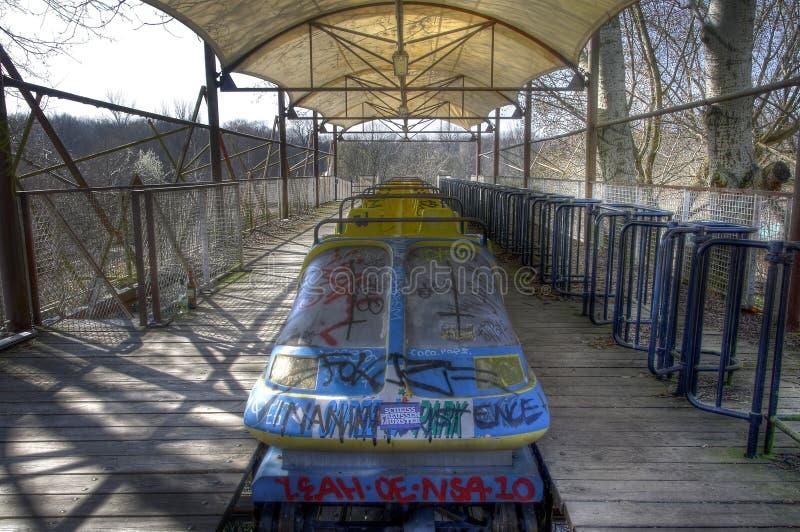 Vieilles montagnes russes dans Spreepark Berlin photographie stock libre de droits
