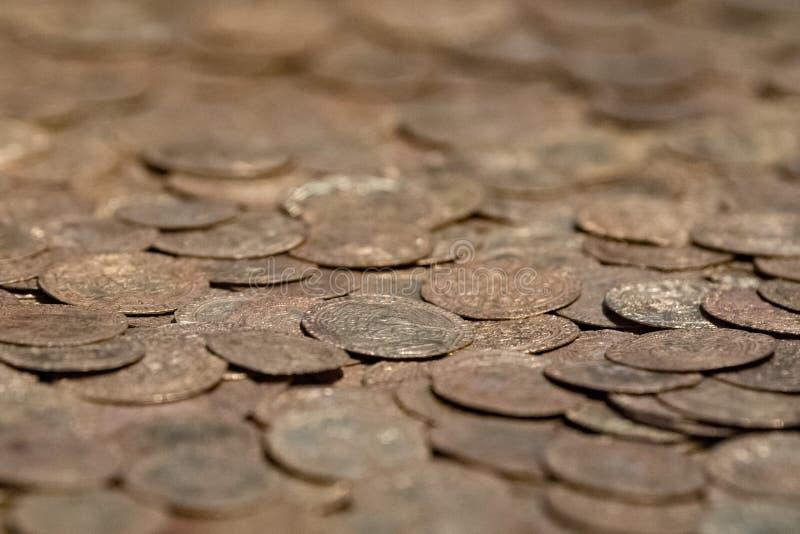 Vieilles pièces de monnaie d'or médiévales photographie stock