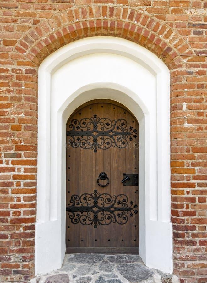 Vieilles portes décorées historiques photographie stock libre de droits