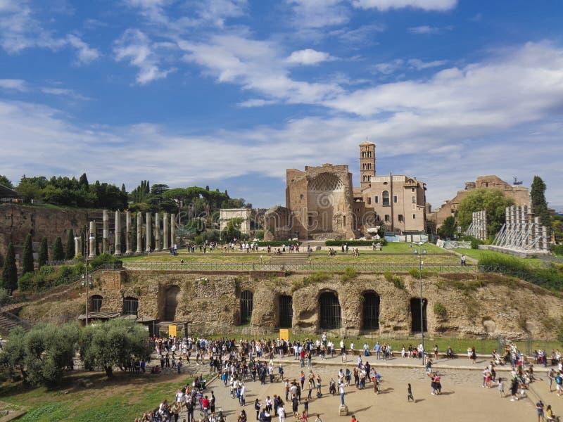 vieilles ruines de catacombes à Rome aux vacances photographie stock libre de droits