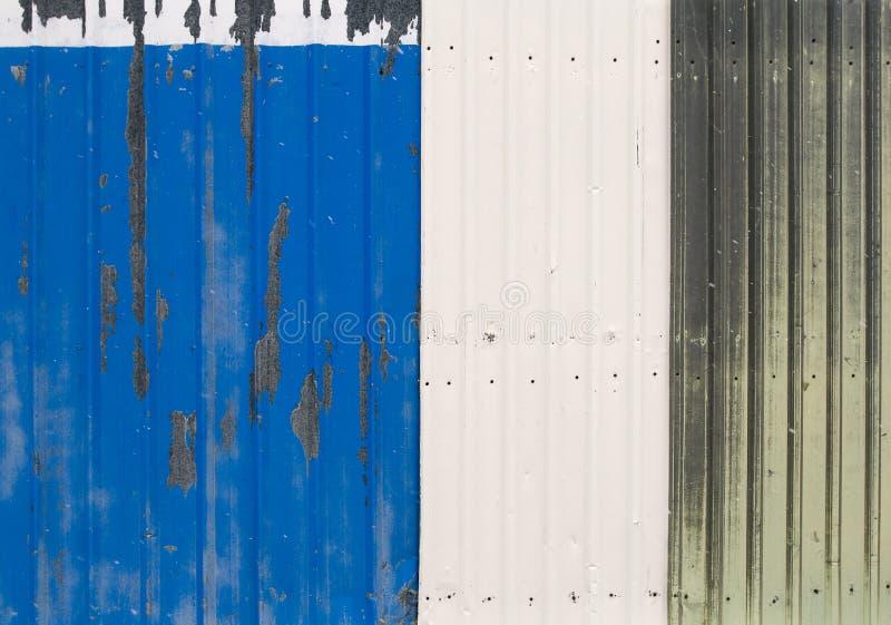Vieilles sections de frontière de sécurité en métal image stock