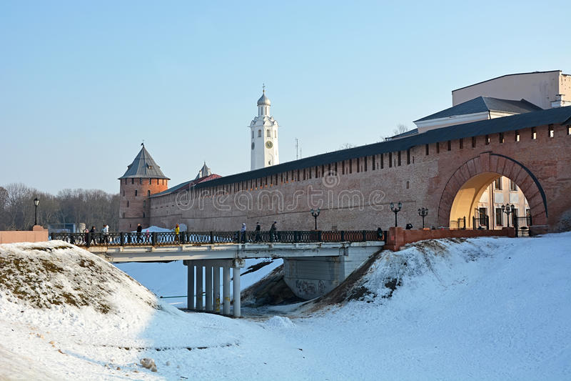 Vieilles tours de Novgorod Kremlin image stock