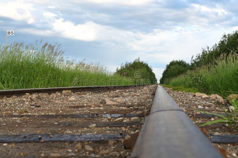 Vieilles voies abandonnées de train image libre de droits