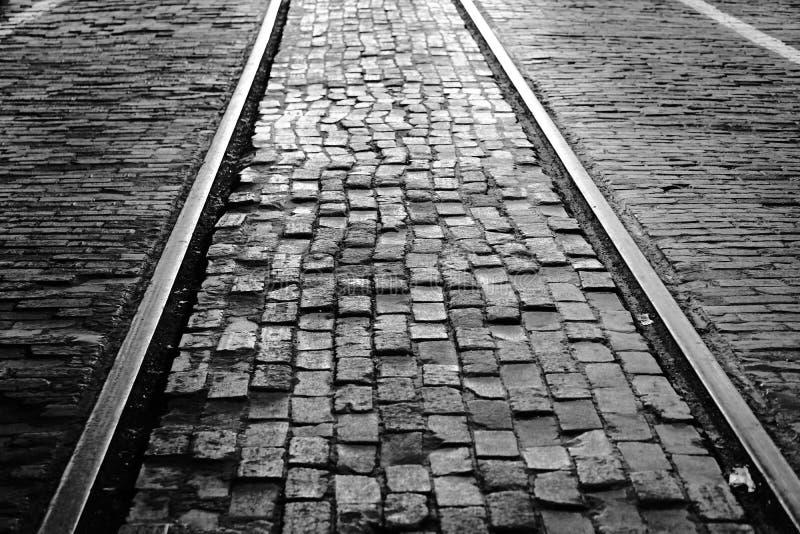 Vieilles voies de brique et de voie ferrée images stock