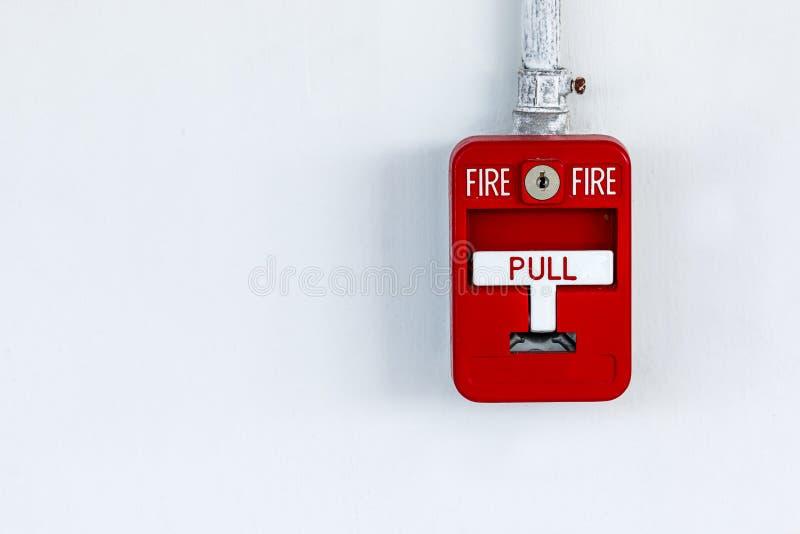 Vieja alarma de incendio roja de la caja imagen de archivo