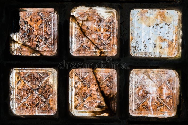 Vieja arquitectura del ladrillo de cristal imagenes de archivo