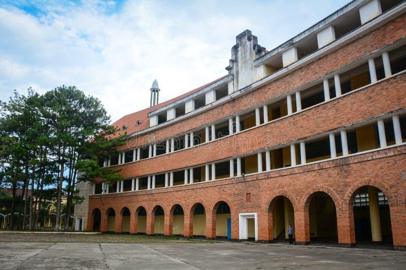 Vieja arquitectura en Dalat, Vietnam foto de archivo libre de regalías