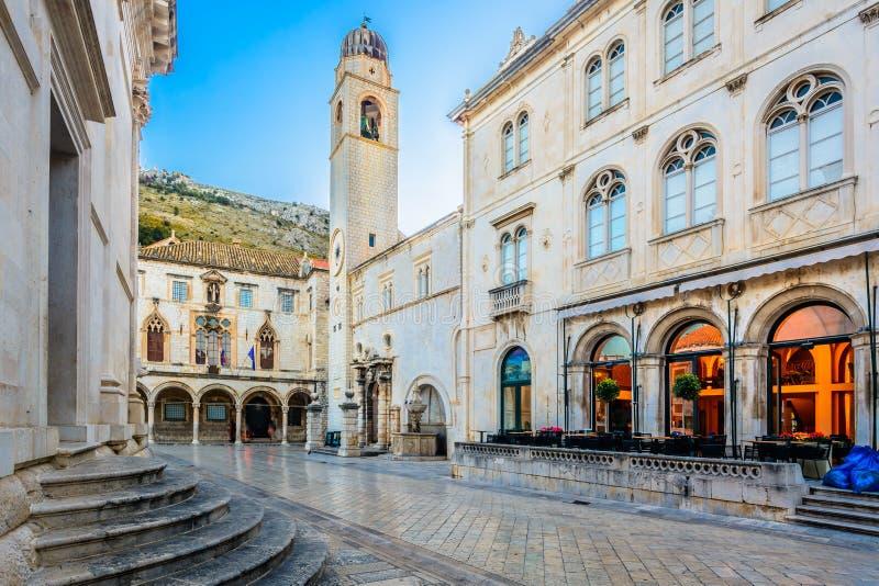 Vieja arquitectura en la ciudad de Dubrovnik, Croacia imagen de archivo libre de regalías
