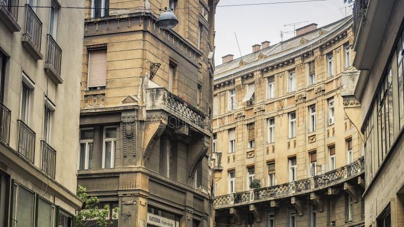 Vieja arquitectura h?ngara en el centro de ciudad de Budapest, distrito VII, Hungr?a fotografía de archivo libre de regalías