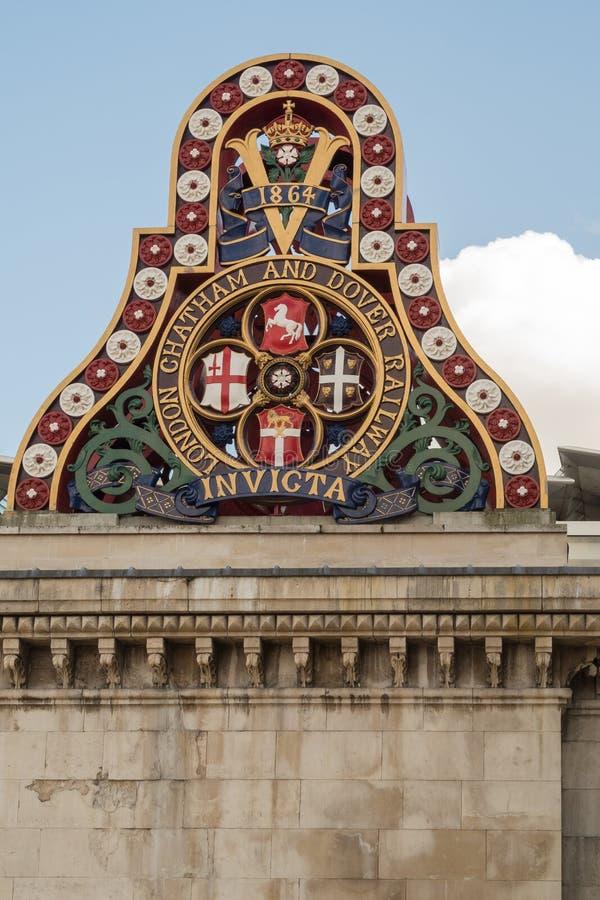 Vieja ayuda del pilar del puente foto de archivo libre de regalías