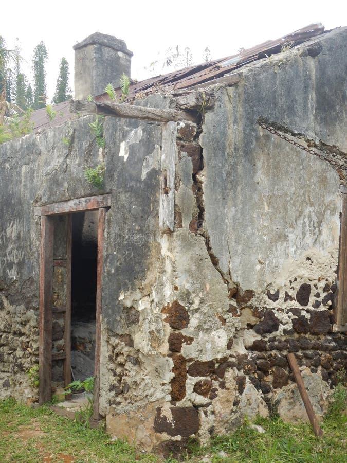 Vieja construcción de las ruinas foto de archivo libre de regalías