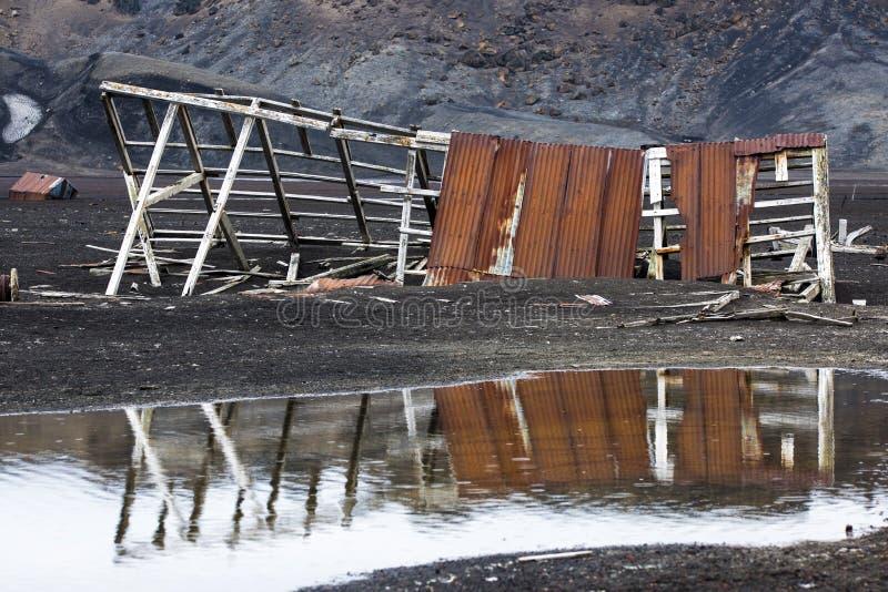 Vieja estación de la ballena en la isla del engaño, Ant3artida imágenes de archivo libres de regalías