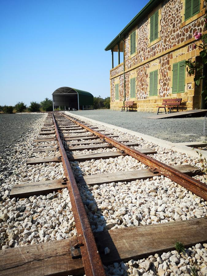 Vieja estación de tren en Chipre imagenes de archivo