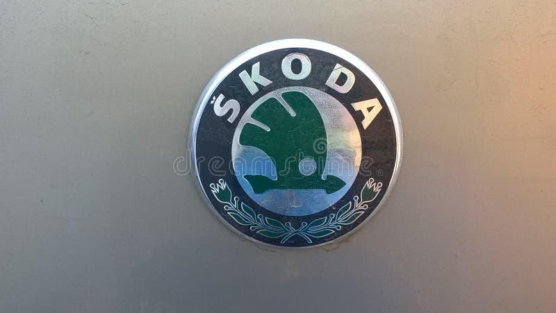 Vieja insignia de Skoda fotografía de archivo
