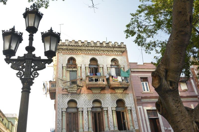 VIEJA LA HABANA ESCENA DE LA CALLE DE CUBA imagenes de archivo