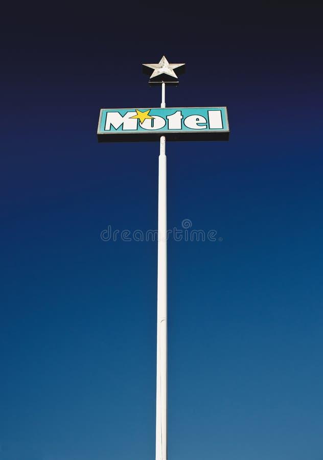 Vieja muestra del motel imagen de archivo libre de regalías